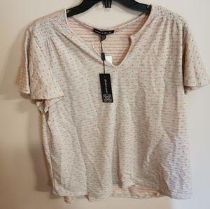 Bnwt, t-shirt size XL